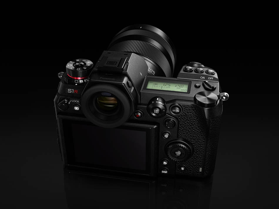 Back Panasonic Lumix S1R